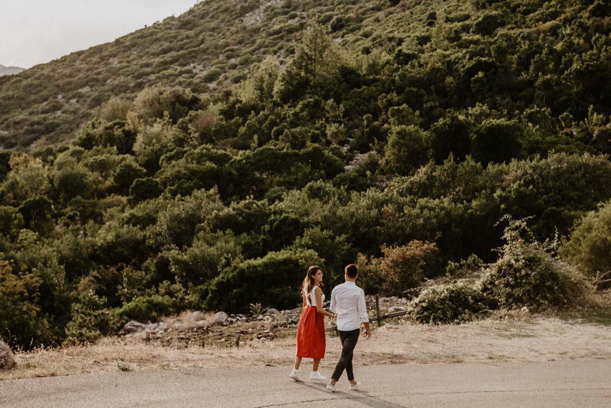 """Servizio fotografico di coppia a Fondi per le strade della Montagna de """"La Madonna della Rocca"""" - Paola Simonelli Fotografa di Matrimoni - Luciano e Serena"""