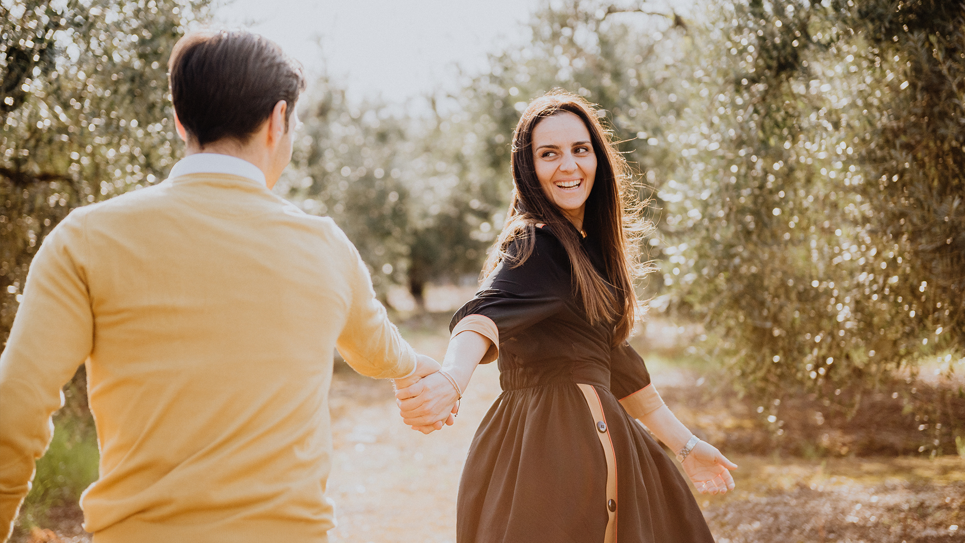 non c'è pace tra gli ulivi - italian engagement shoot - servizio fotografico di coppia - servizio prematrimoniale Fondi - wedding fotographer - Fotografo di matrimonio Lazio