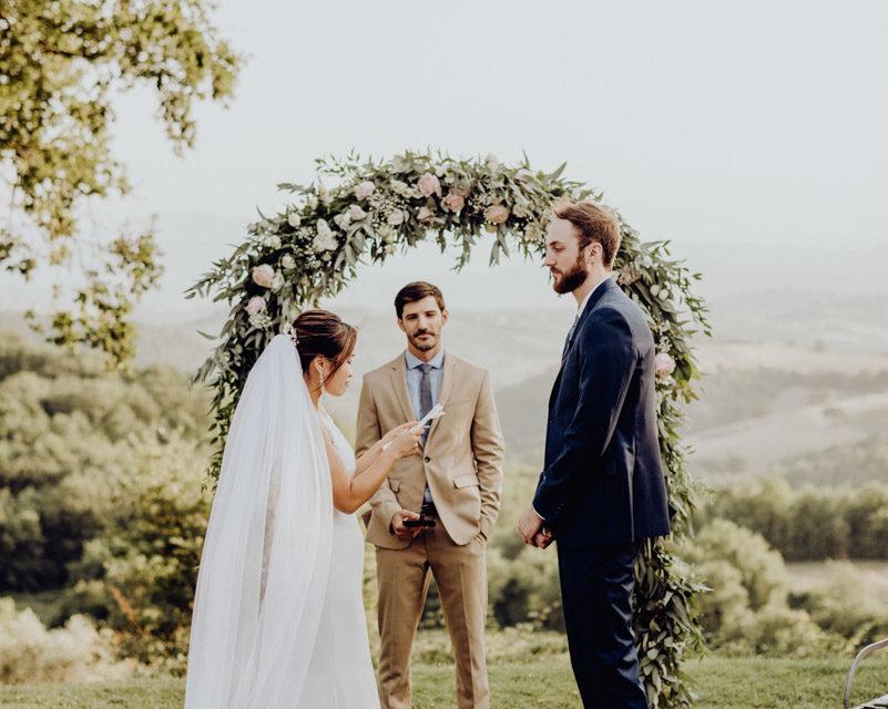 Rito civile all'aperto - matrimonio all'aperto in italia - outdoor wedding in italy - wedding in chianti - wedding in umbria - paola simonelli fotografo di matrimoni